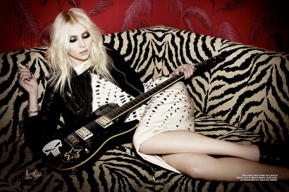 035_Taylor-Momsen_The-Untitled-Magazine-Photography-Indira-Cesarine.jpg