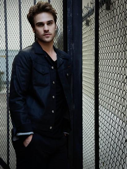 094-Grey-Damon-The-Untitled-Magazine-Photography-by-Indira-Cesarine-3.jpg