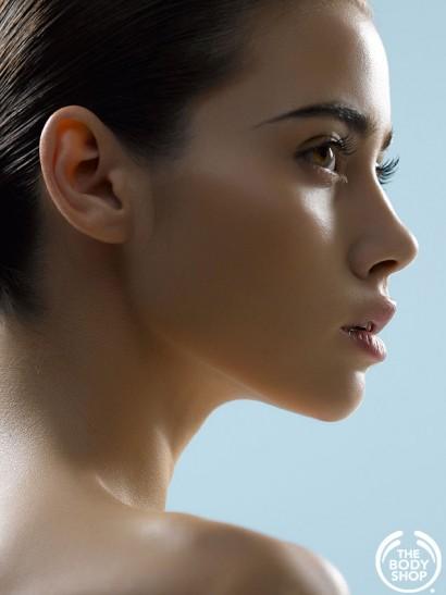 107-Body-Shop-Moisture_White-Photography-by-Indira-Cesarine1.jpg