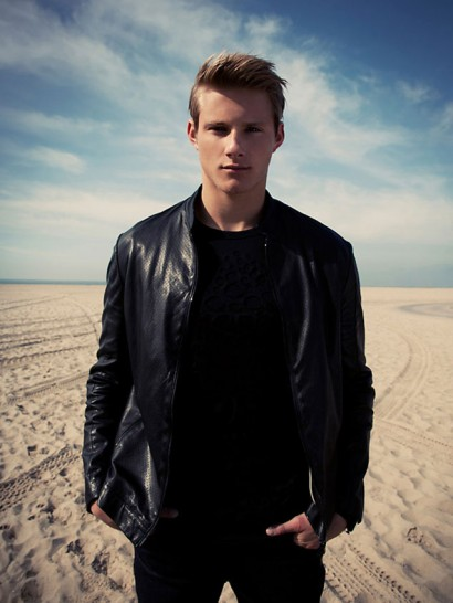 0-Alexander-Ludwig-The-Untitled-Magazine-Photography-by-Indira-Cesarine-023a.jpg