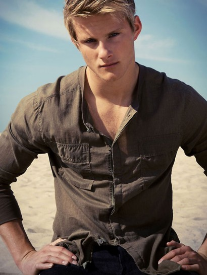 023-Alexander-Ludwig-The-Untitled-Magazine-Photography-by-Indira-Cesarine-023.jpg