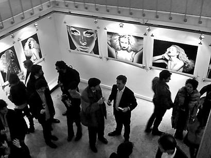 visionair-gallery-opening-indira-cesarine-2010-001.jpg