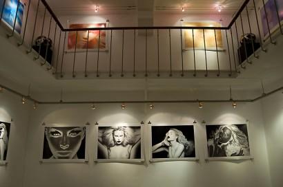 visionair-gallery-opening-indira-cesarine-2010-002.jpg