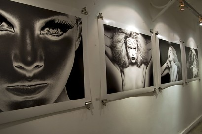 visionair-gallery-opening-indira-cesarine-2010-003.jpg