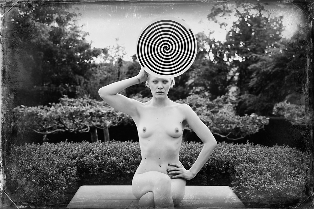 Indira-Cesarine-Second-Circle-No-7-2012-Limited-Edition-Photography-Series-008.jpg