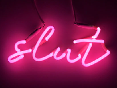 INDIRA-CESARINE_slut-pink_-NEON-LIGHT-SCULPTURE_2018.jpg