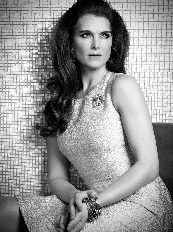 Brooke-Shields-Photography-by-Indira-Cesarine-009.jpg