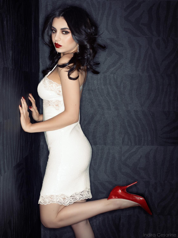 Charli-XCX-Photography-Indira-Cesarine-008.jpg