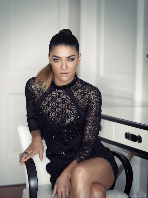 Jessica-Szohr-Photography-by-Indira-Cesarine-005.jpg