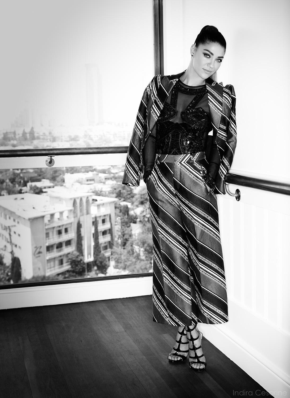 Jessica-Szohr-Photography-by-Indira-Cesarine-007.jpg
