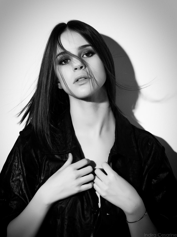 Marina-Kaye-The-Untitled-Magazine-Photography-by-Indira-Cesarine-011.jpg