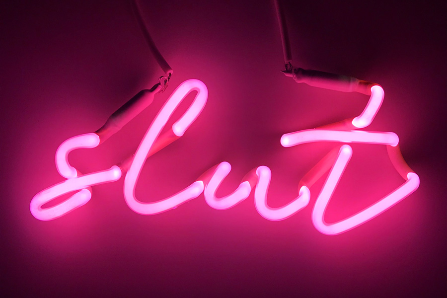 INDIRA-CESARINE-22slut-pink22-NEON-LIGHT-SCULPTURE_2018-pr.jpg