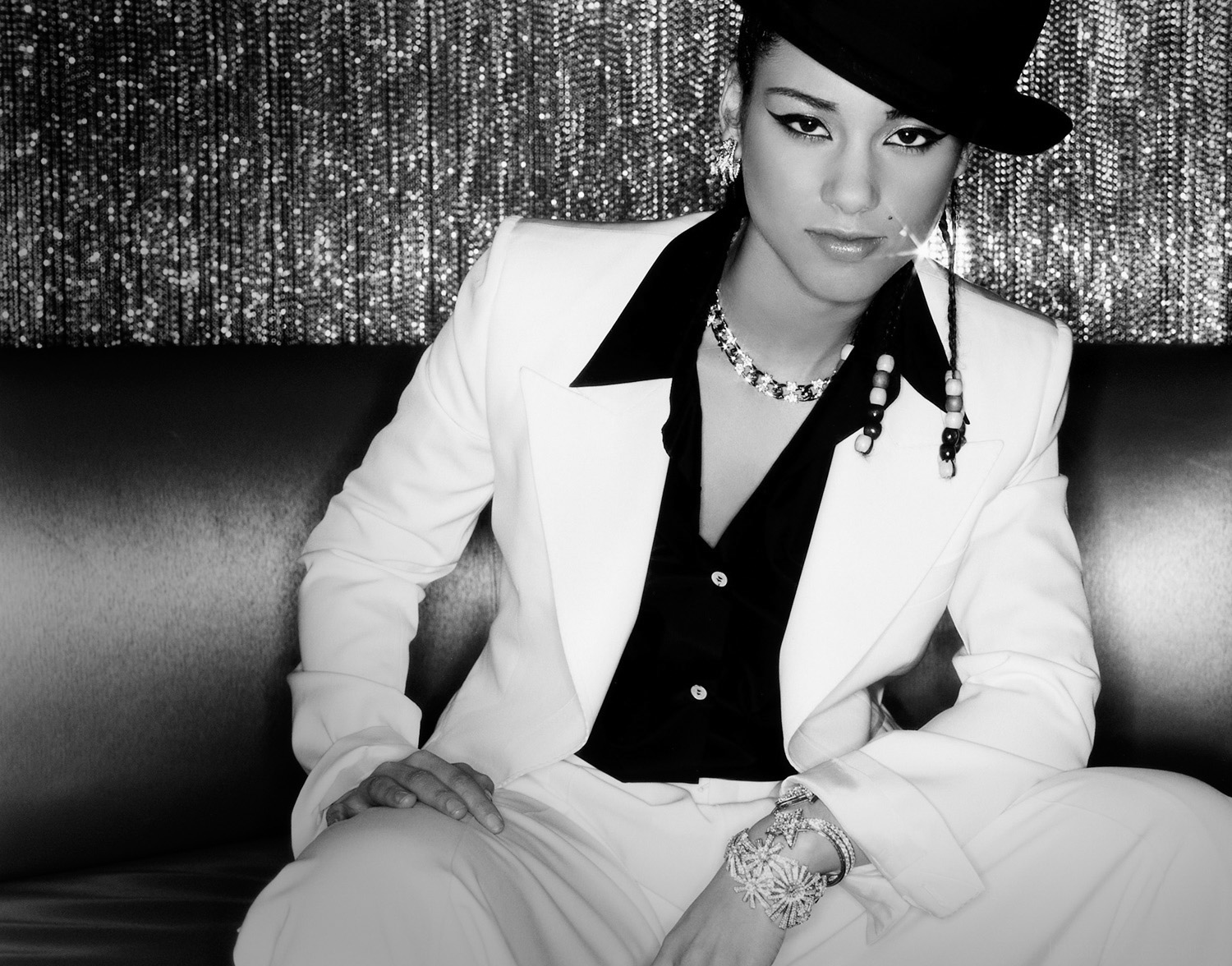 ALICIA-KEYS-Photography-by-Indira-Cesarine-002-BW.jpg