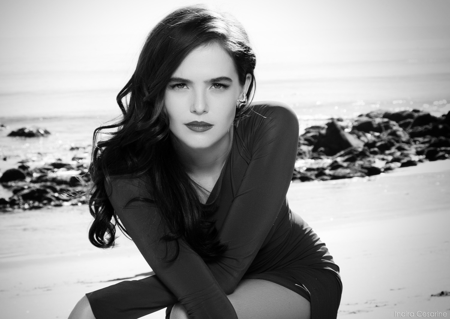 Zoey-Deutch-Photography-by-Indira-Cesarine-012-bw.jpg