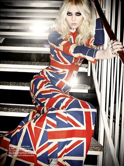033_Taylor-Momsen_The-Untitled-Magazine-Photography-Indira-Cesarine.jpg