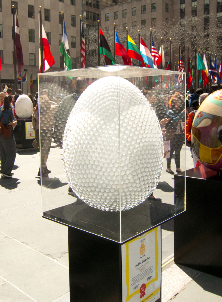 The-Egg-of-Light-Indira-Cesarine-Sculpture-2014-Rockefeller-Center-2lr.jpg
