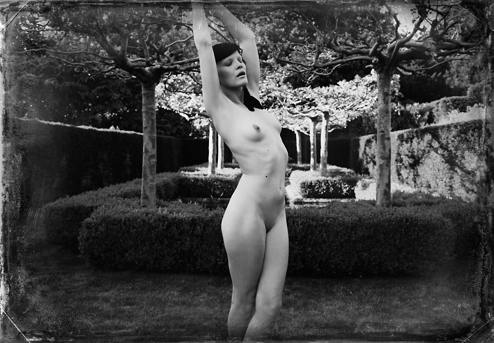Indira-Cesarine-Second-Circle-No-6-2012-Limited-Edition-Photography-Series-007.jpg