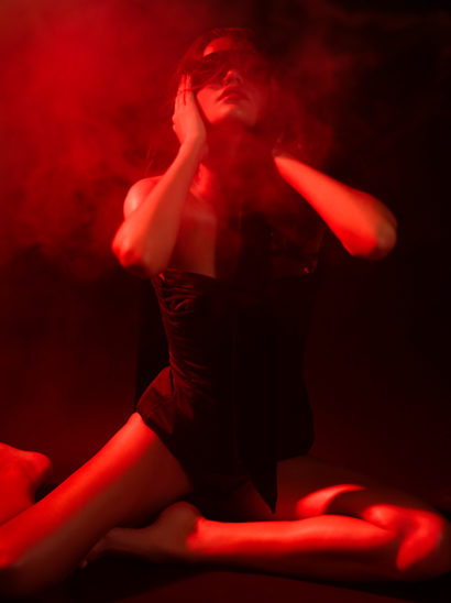Indira-Cesarine-The-Seduction-2011-Limited-Edition-Photography-Series-007.jpg