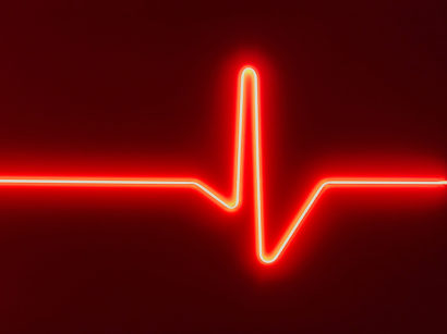 Indira_Cesarine_HEARTBEAT-No-2_Neon_2017x.jpg