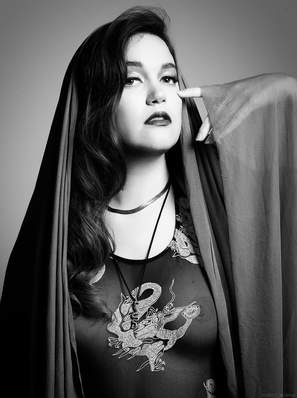 ANNA-WISE-Photography-by-Indira-Cesarine-002.jpg