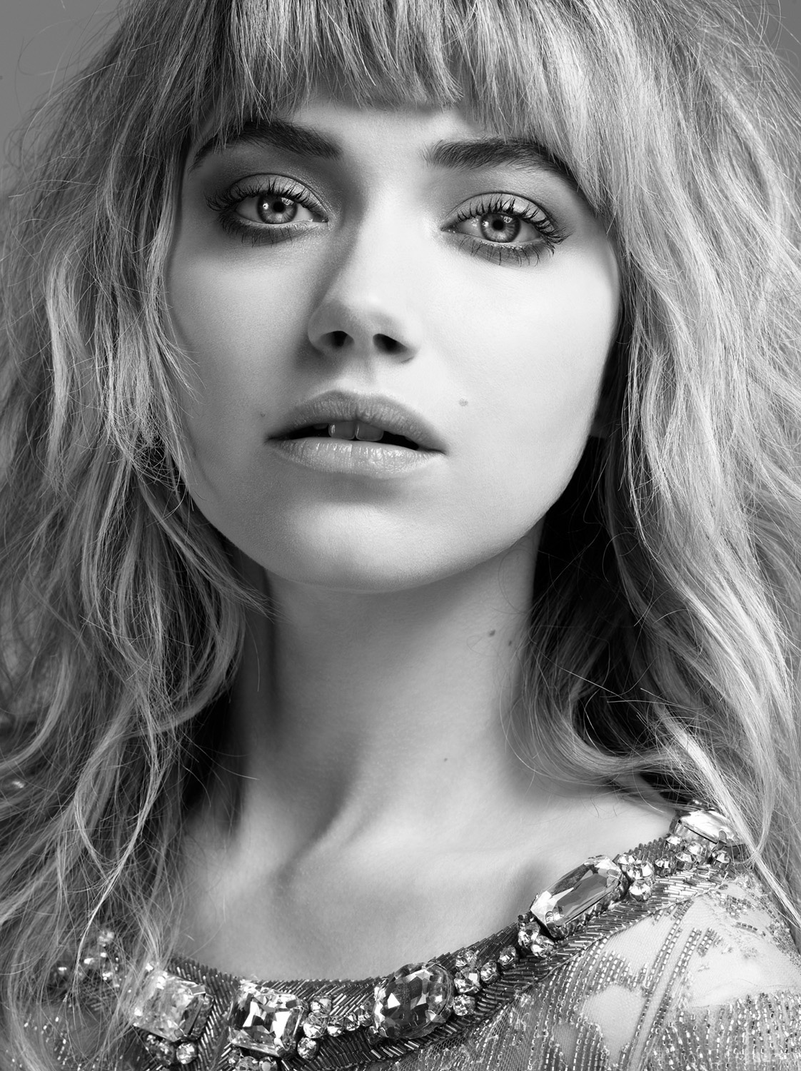 Imogen-Poots-Photography-by-Indira-Cesarine-001.jpg