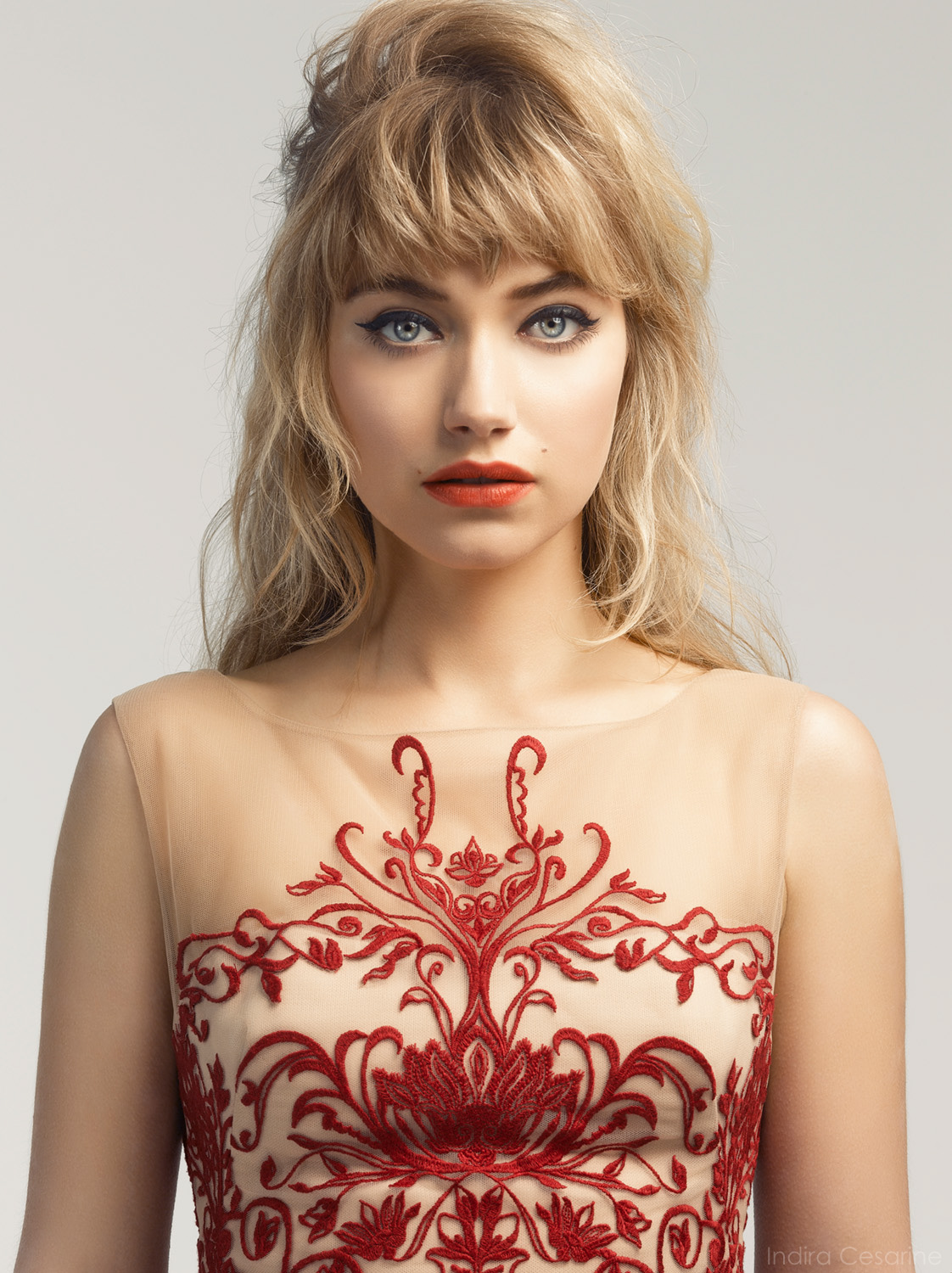 Imogen-Poots-Photography-by-Indira-Cesarine-008.jpg