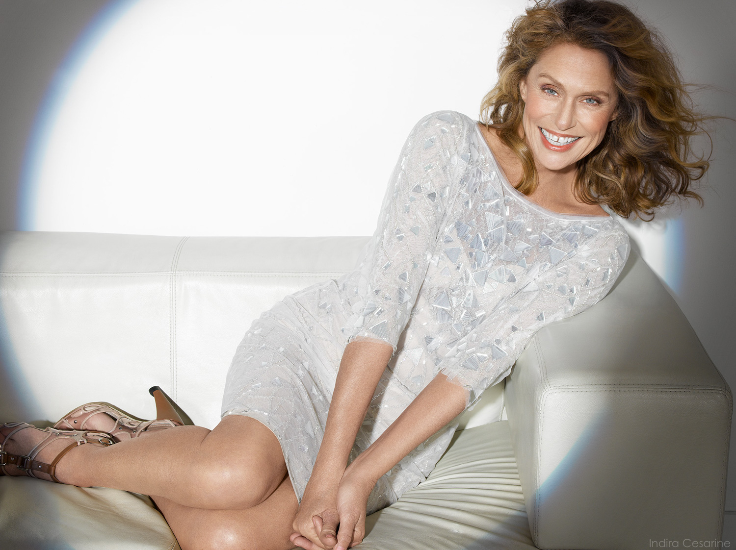 LAUREN-HUTTON-Photography-by-Indira-Cesarine-005.jpg