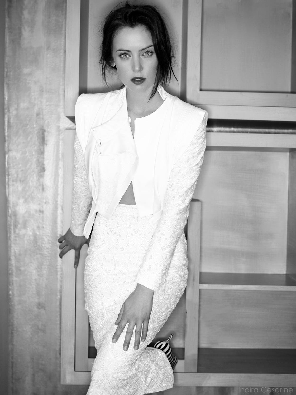 Jessica-Stroup-Photography-by-Indira-Cesarine-003.jpg