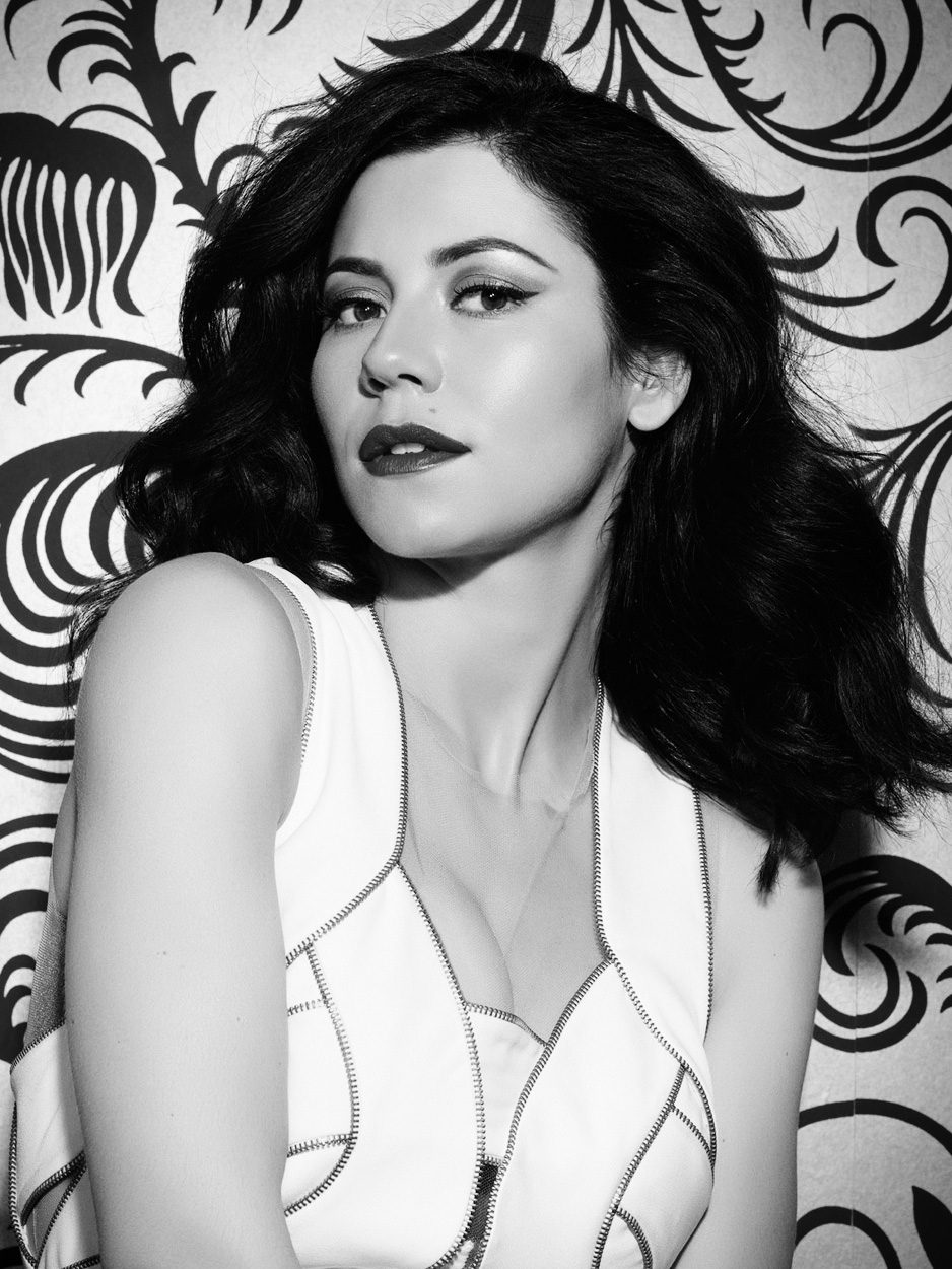 Marina-Diamonds-Photography-Indira-Cesarine-005bw.jpg