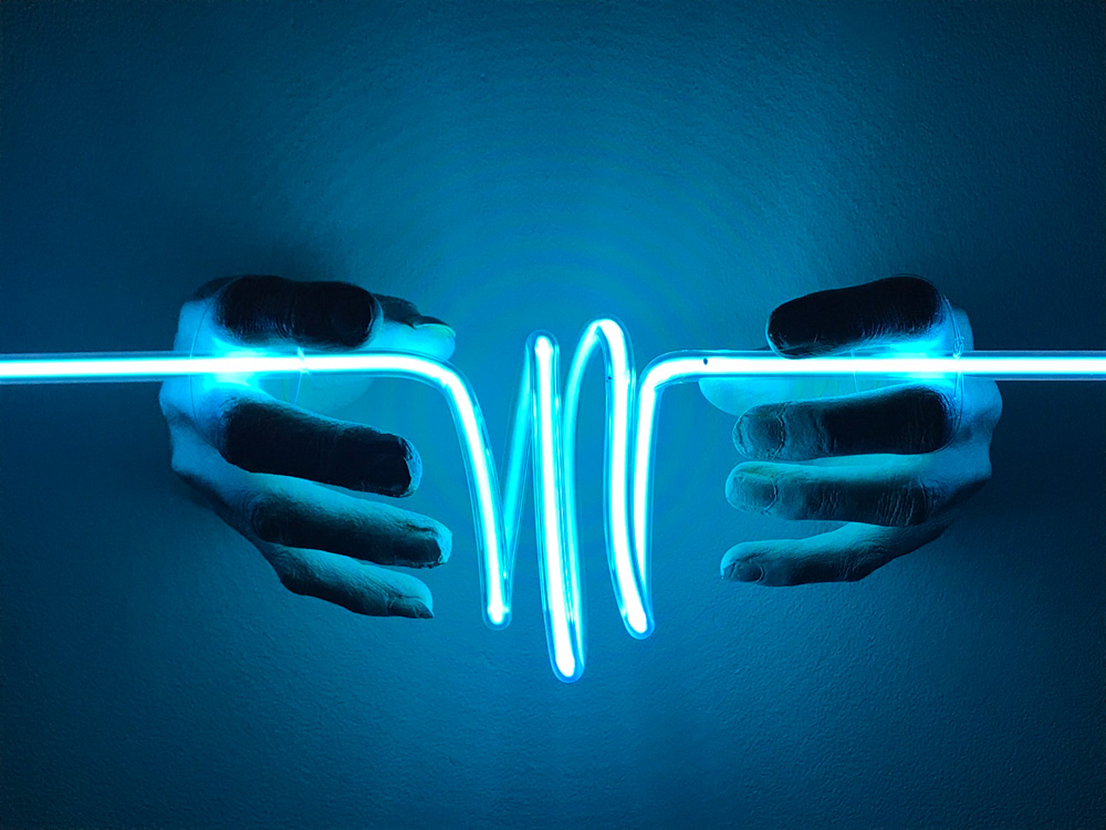 INDIRA-CESARINE-22LIFEFORCE-energy22-2018-Neon-Sculpture-LR-v2.jpg