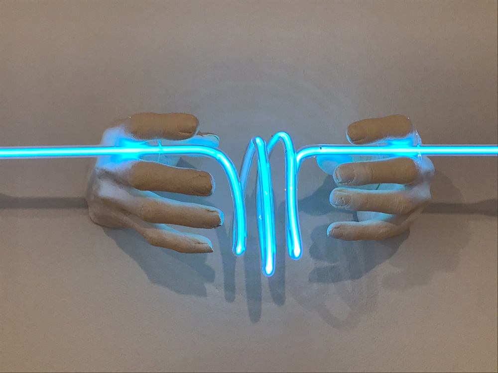 INDIRA-CESARINE-22LIFEFORCE-energy22-2018-Neon-Sculpture-v3lr.jpg