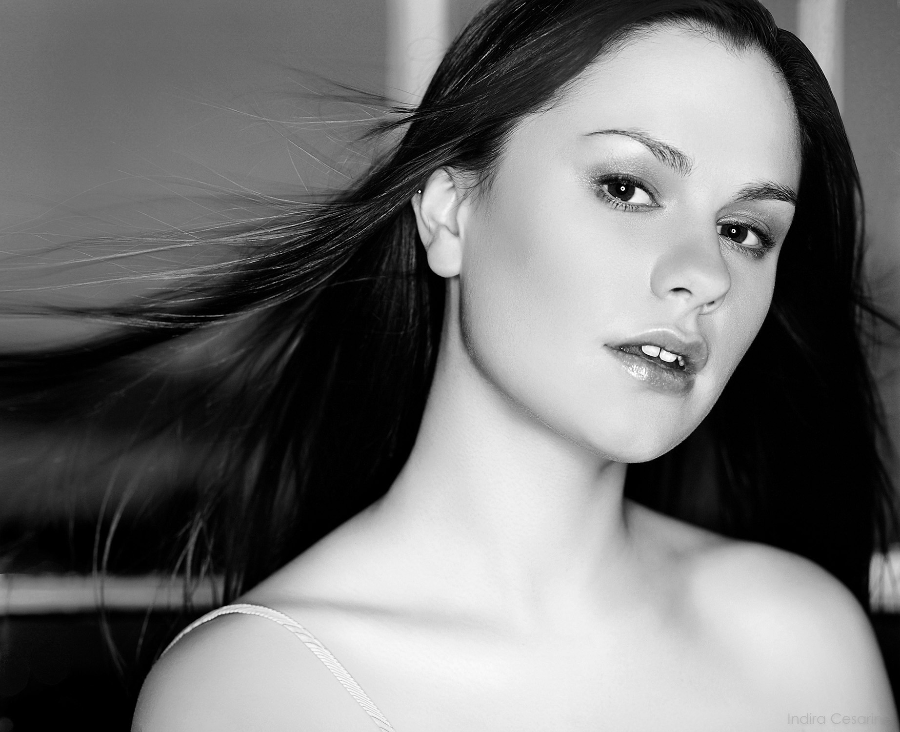 ANNA-PAQUIN-Photography-by-Indira-Cesarine-005-BW2.jpg