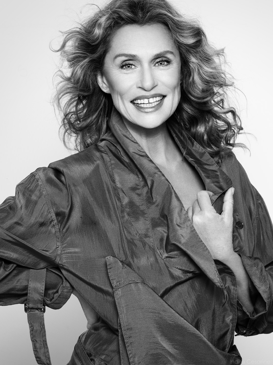 LAUREN-HUTTON-Photography-by-Indira-Cesarine-001-bw.jpg