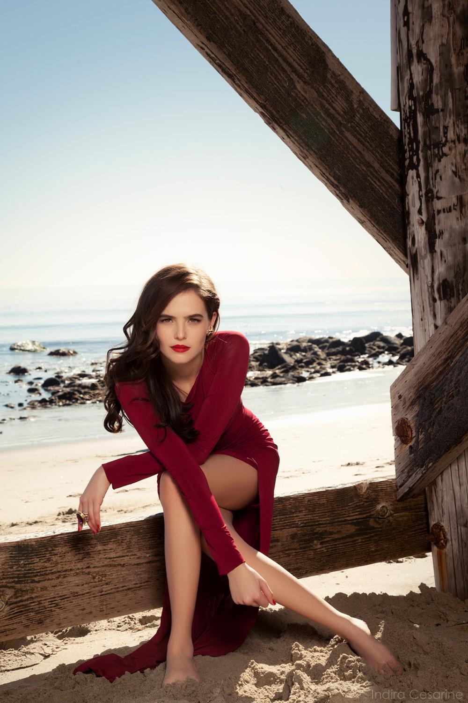 Zoey-Deutch-Photography-by-Indira-Cesarine-011.jpg