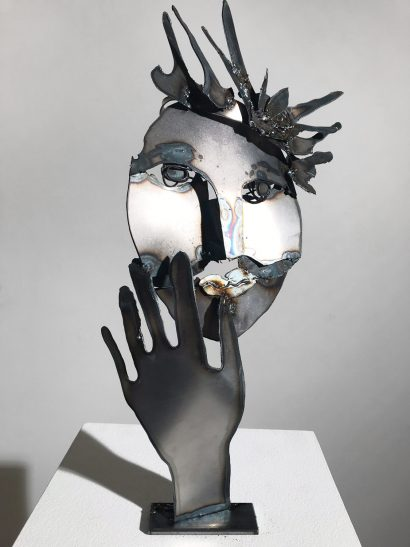 Indira-Cesarine-La-Reine-2018-Welded-Steel-Sculpture-003.jpg