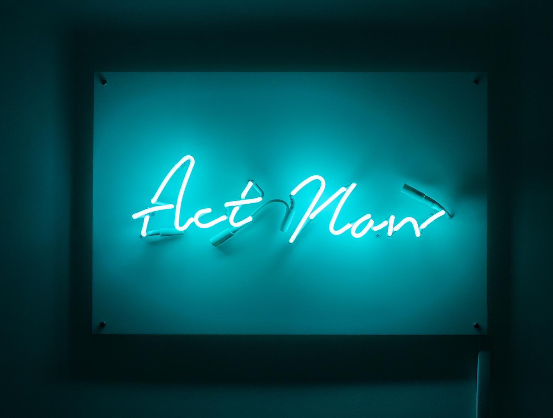 Indira-Cesarine-Act-Now-Neon-Sculpture-Edition-2-2020-2.jpg