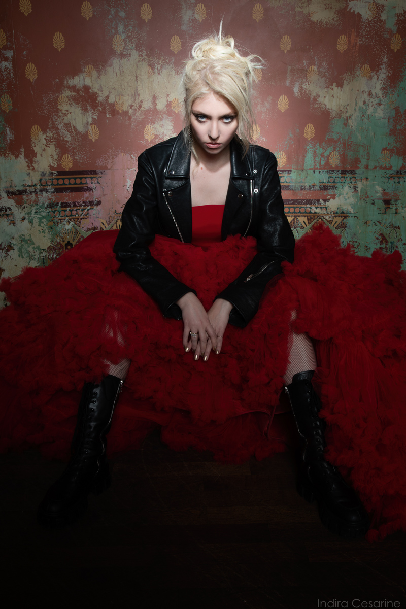 TAYLOR-MOMSEN-THE-PRETTY-RECKLESS-PHOTOGRAPHY-BY-INDIRA-CESARINE-5226.jpg